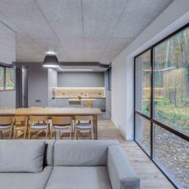 Greywall - Minimalist Residence in Vilnius